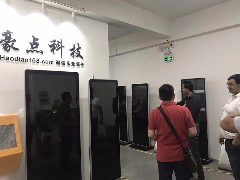 国外客户参观豪点科技